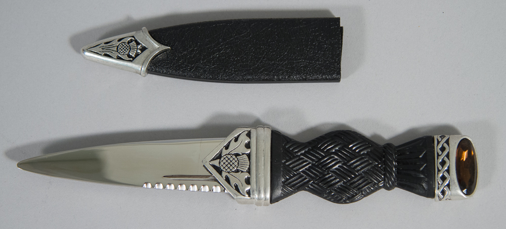 "Sgian Dubh: ""Thistle"" with Cairngorm"