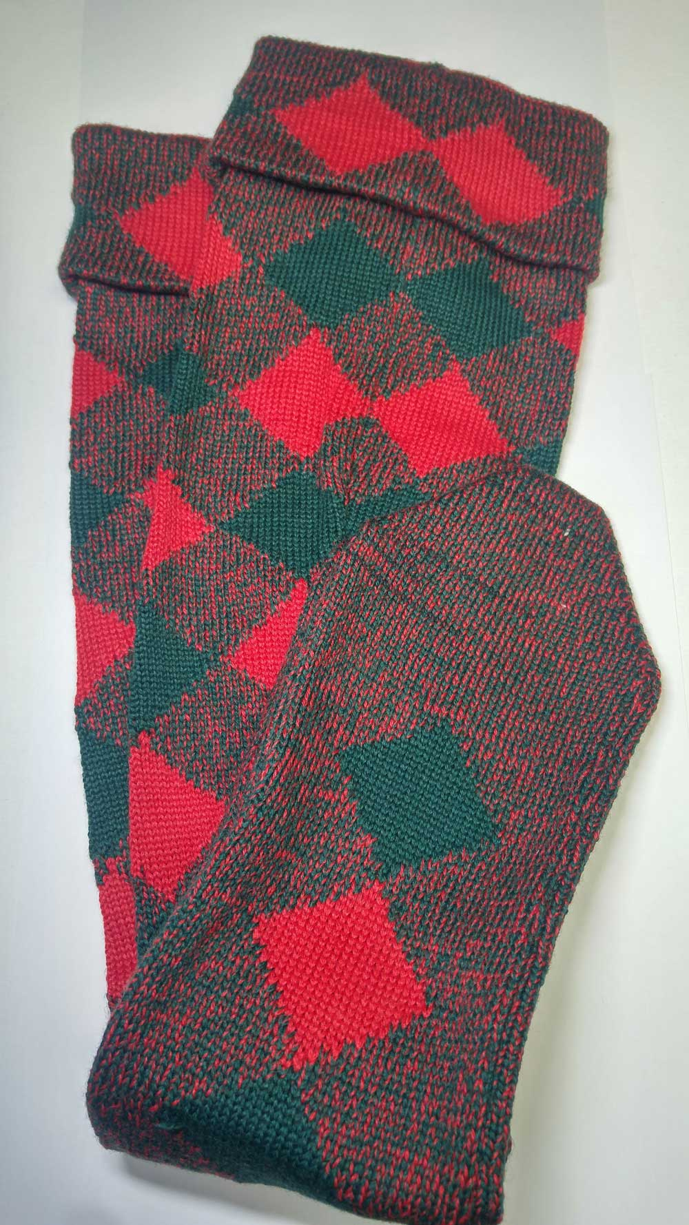 Highland Diced Hose, Red/Tartan Green - Click Image to Close