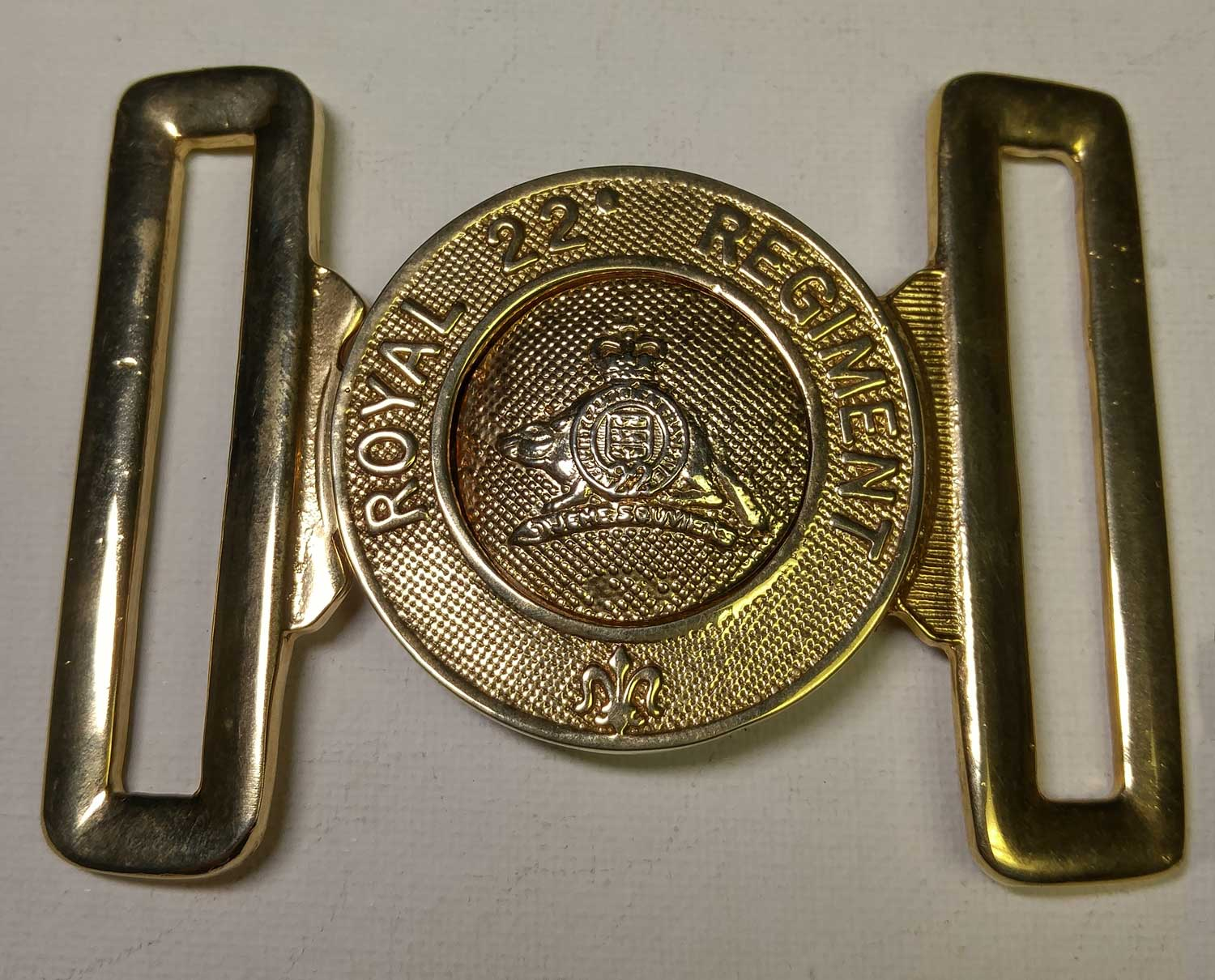 "22nd Royal Regiment Belt Buckle, Gold 57mm (2-1/4"")"