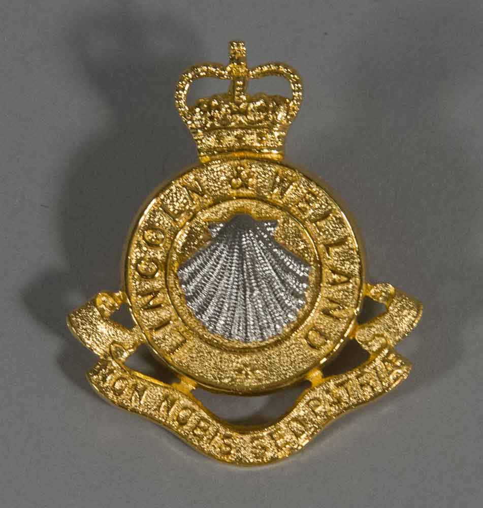 Badge: Cap, Lincoln & Welland, Officer's