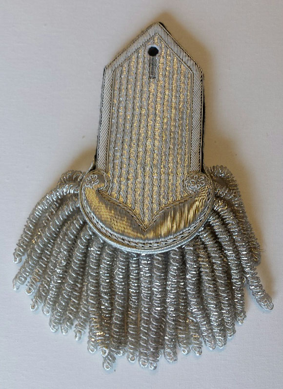 Epaulette, Silver, Cyma Curve/Pointed
