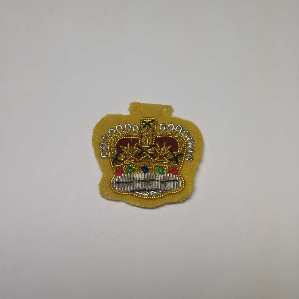 Crown: Officer Mess Kit, Yellow b/g