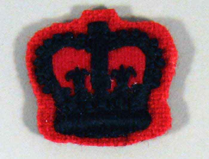Crown: Officer, Rifles, Black on Red