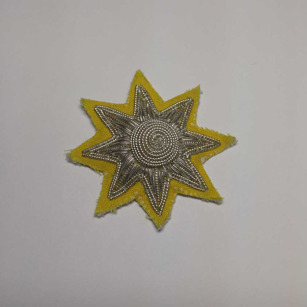 Star: Epaulette, Silver with Yellow Backing