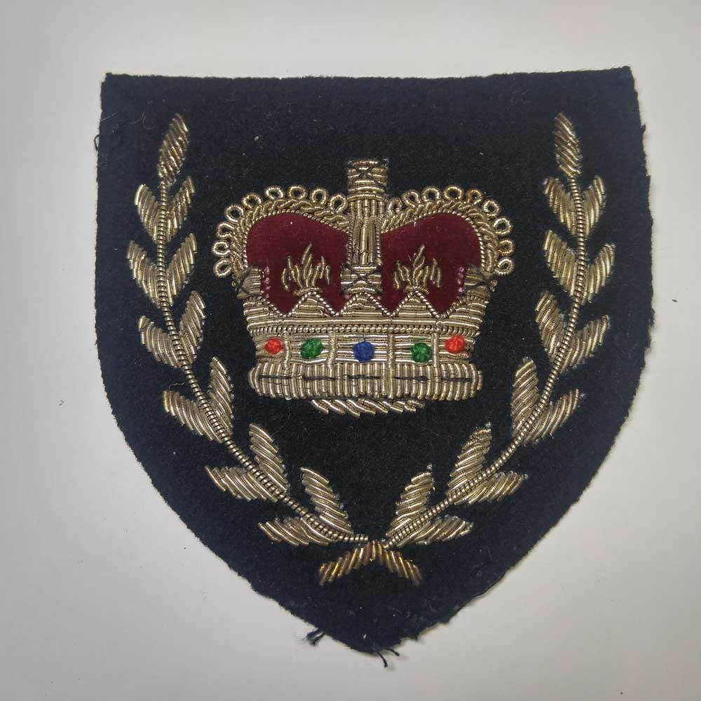 Crown & Wreath: Master Warrant Officer, Very Old (used)